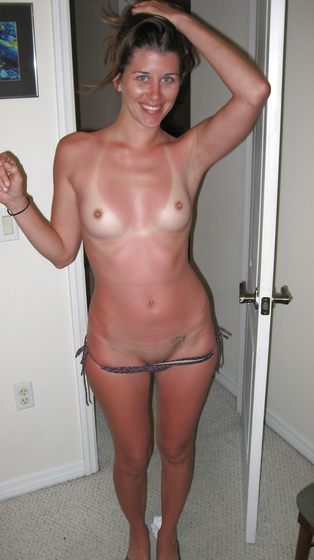 Amateur tanline ass wife ride